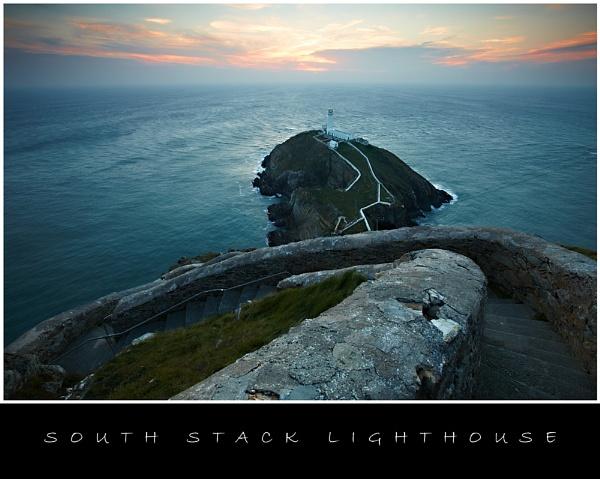 South Stack Lighthouse by stevemelvin