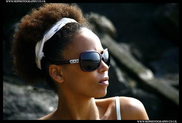 Neo Sun & Sunglasses by hophotography