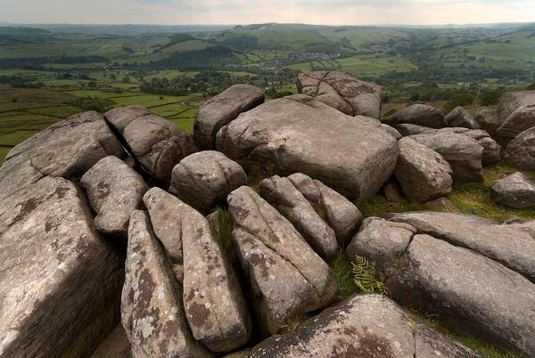 curbar rocks by antbow