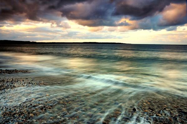 Cemlyn Bay by Alfoto