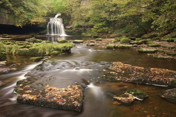 Cauldron Falls Autumn II by Warriorpoet
