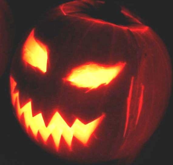 halloween by kazzy1963