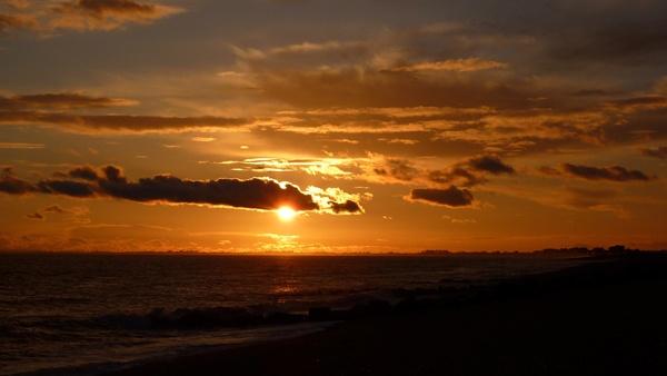 A winter Sundown by seaviewlou