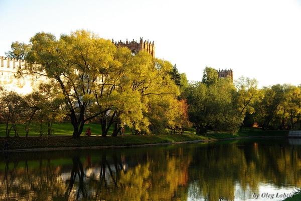 Autumn reflections ... by Oleg_Lobzin