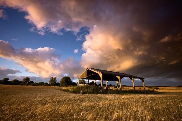 field barn 3 by Paintman
