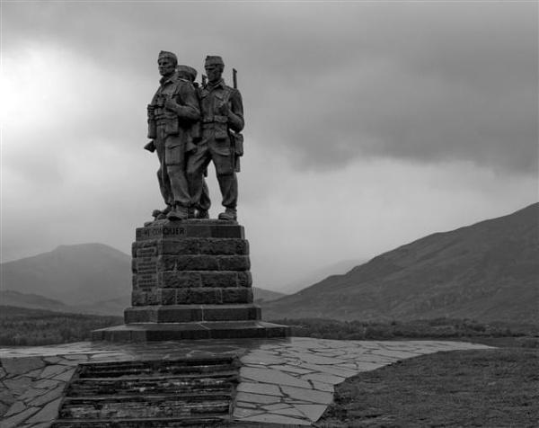 Commando Memorial by Campbell
