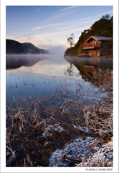 That darned Boathouse Again! by Tynnwrlluniau