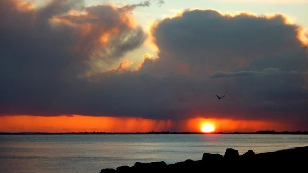 Sun Set through the Rain by seaviewlou