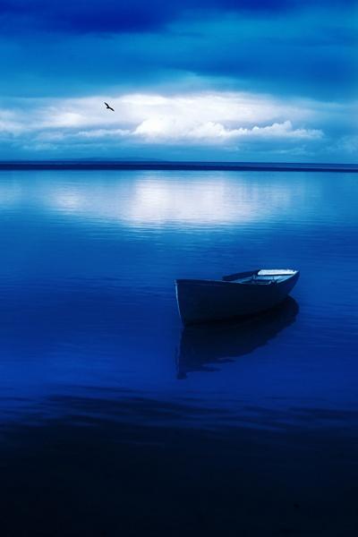 Blue Blue Boat by mookey
