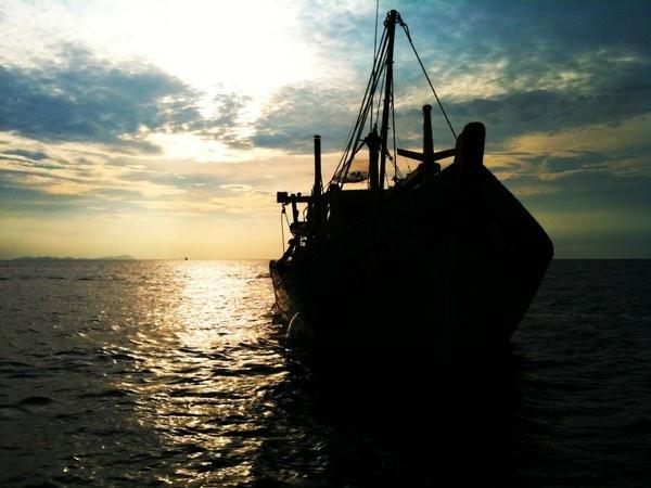 Abandoned Fishing Boat by nazmul99