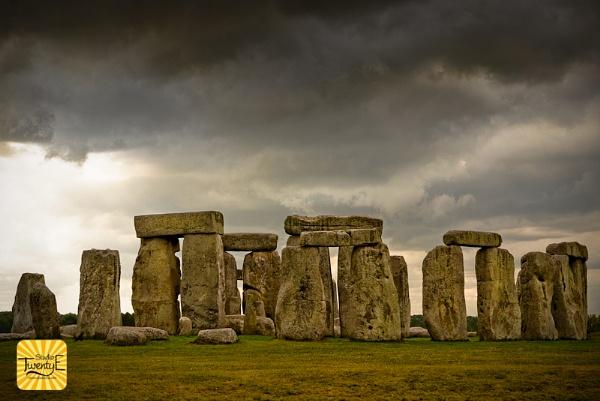stonehenge by simongreen