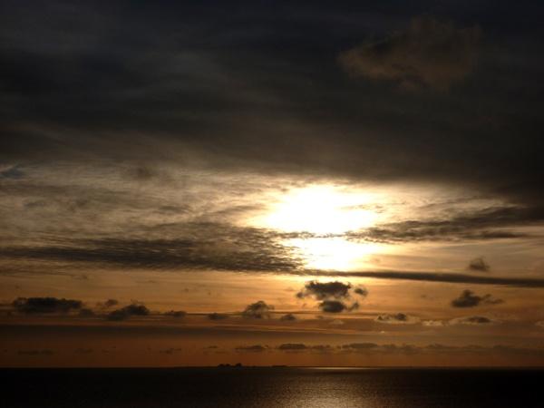 sun burst by seaviewlou