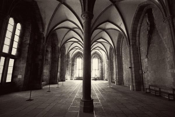 Abbey Corridor by gvet