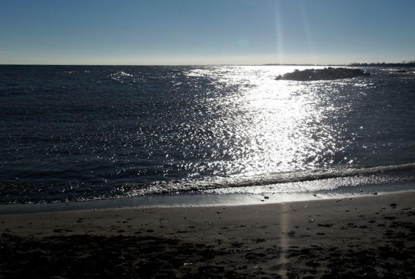 Sunny day on Lake Ontario by Jovana63