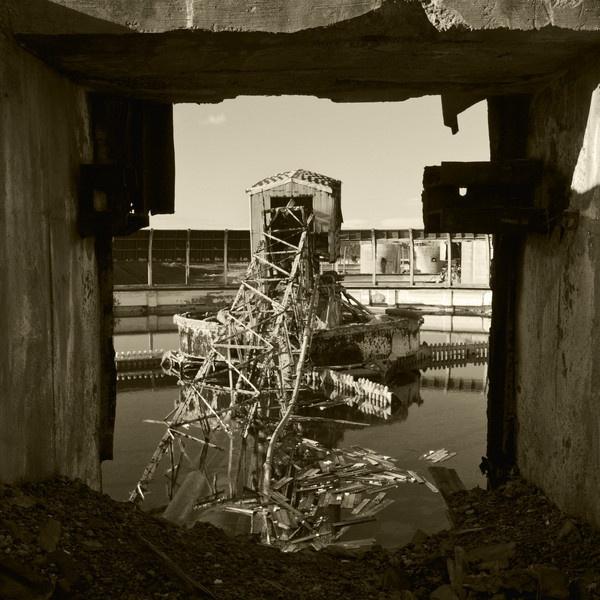 Sqaure decay by guyfromnorfolk