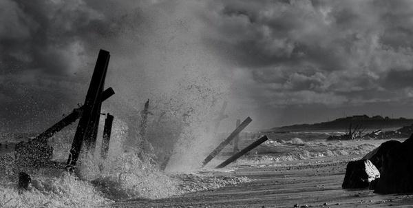 stormy seas by Gazzten