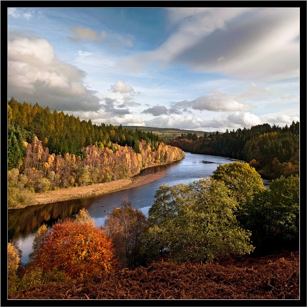 Colour on the Tummel by Scutter