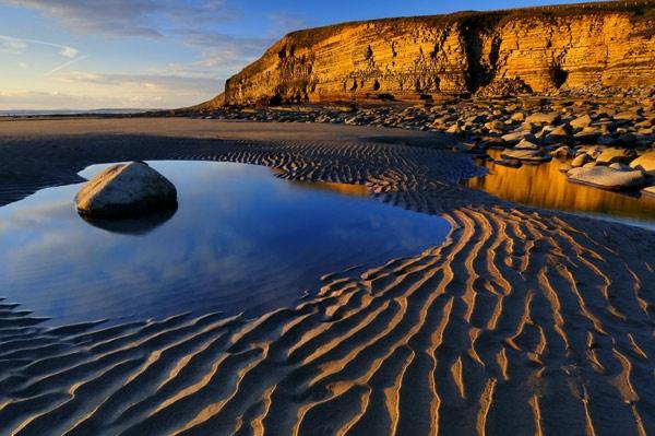 Contured Beach II by gibbsy