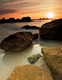 Sun on Rocks