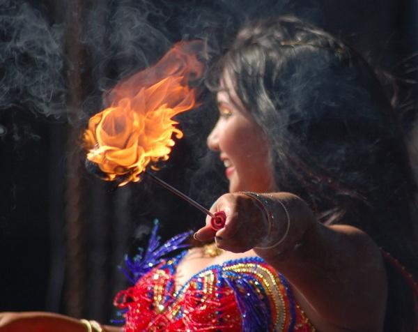 Diwali Dancer 2 by doolittle