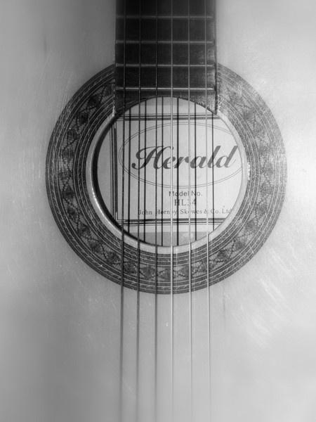 Guitar by Lizzie_x