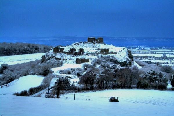Hilltop ruined Castle by Beladd