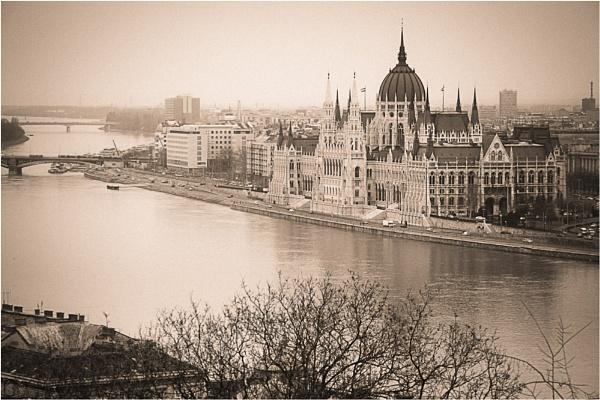 Budapest by ghibby