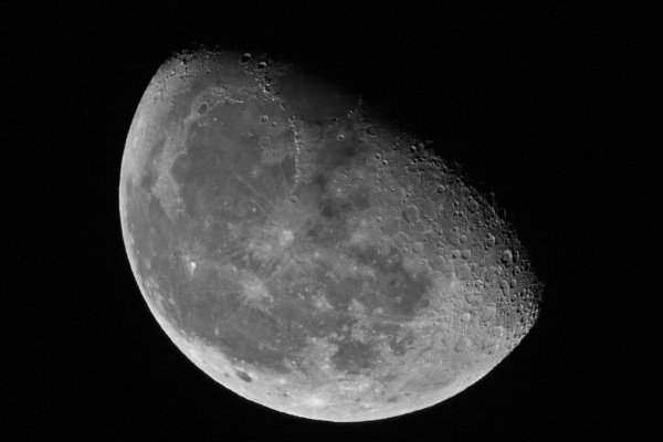 The Moon shot at 21:30 on the 26-11-10 by chompy9043