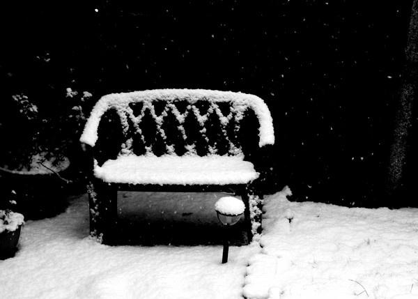 Dark Snow by Lizzie_x
