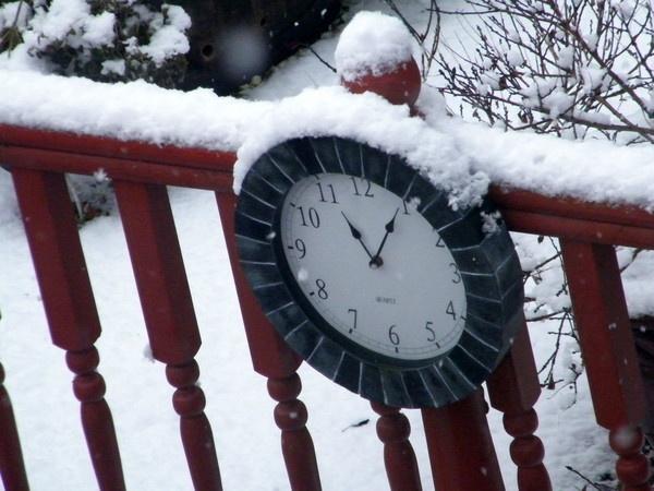 Snow Time by Lizzie_x