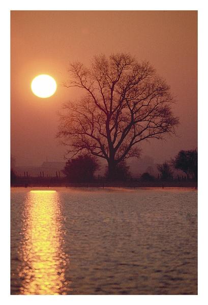 Sunrise by petejeff