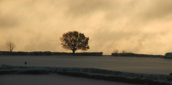 Derbyshire Winter by lcmerrin