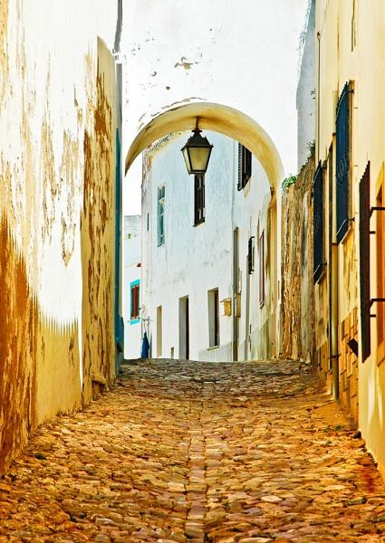 Portuguese Passageway by suemason