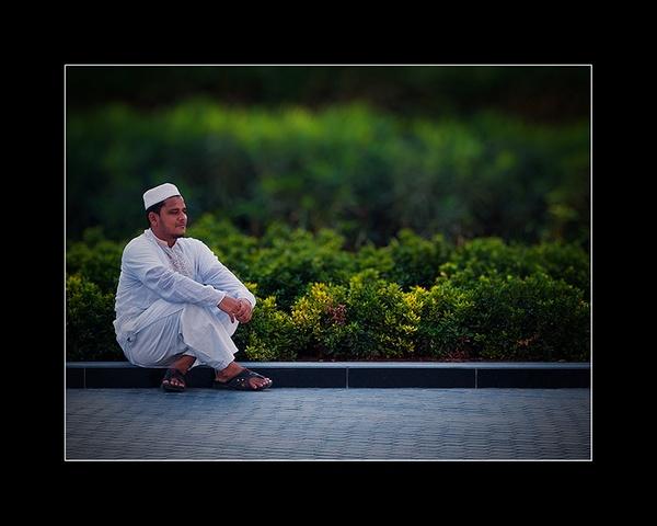 Relaxing Pose by Saigonkick