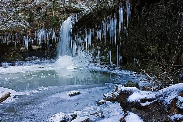 Frozen in time - Sgwd Gwladys by skye1