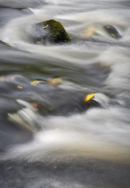 Taf Fechan Flowing by alecs