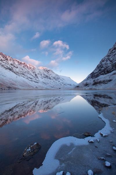 Loch Achtriochtan by PaulHolloway