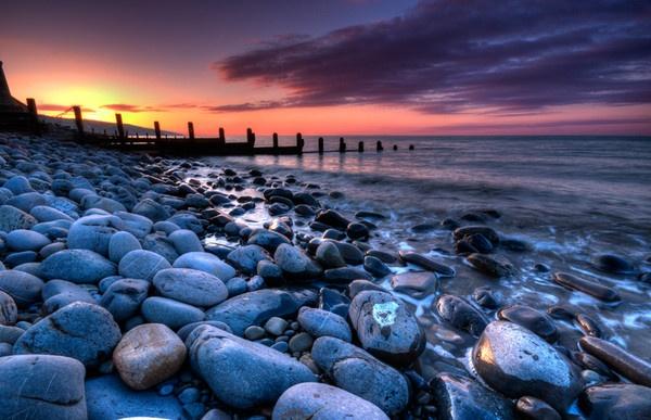Amroth Sunrise by Macromania