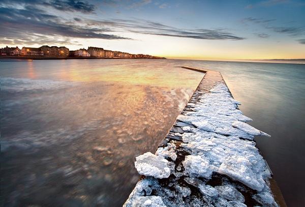 Frozen Dawn by mazzie