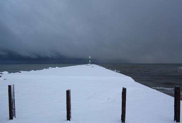 snowy jetty 2 by catrinarthur