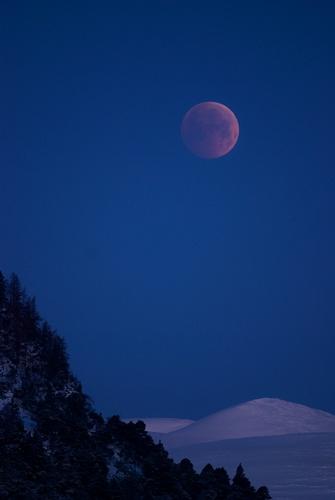 Lunar by hilly1