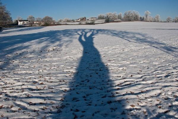 Shadow in the snow by Gazzten