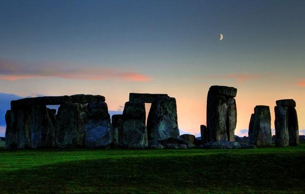 Stonehenge Sunset by paulraymondphotography
