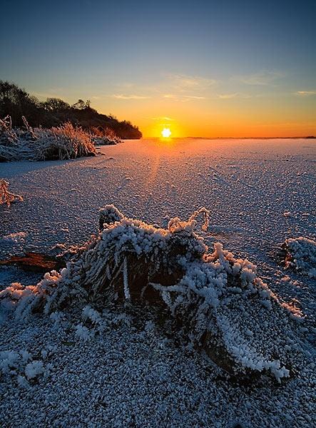 Frozen Lake by alexey_s