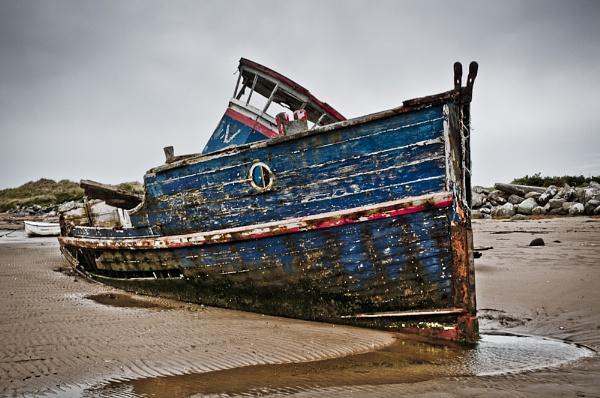 Shipwreck by edjbartos