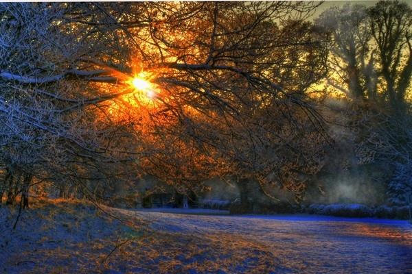 Sun,snow & mist by Beladd