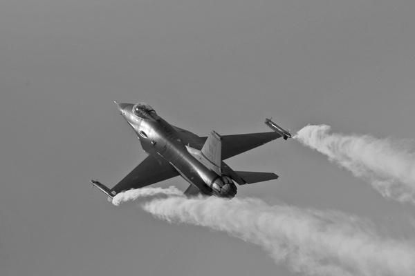 F16 by ZX1400