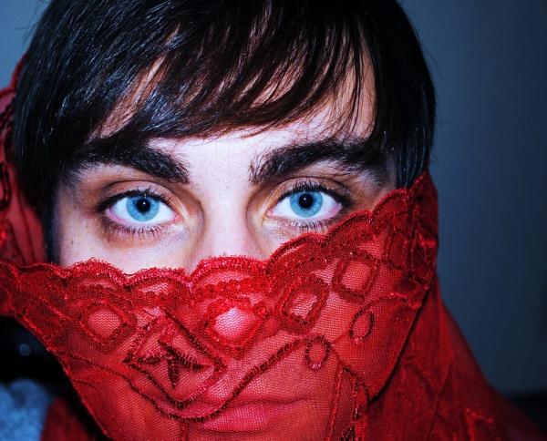 Blue eyes... by Chinga