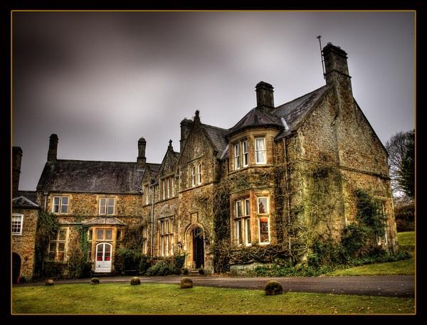 Northcote Manor HDR by pauldawn