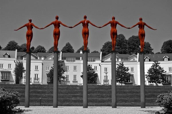 5 Rusty women. by thebigimp